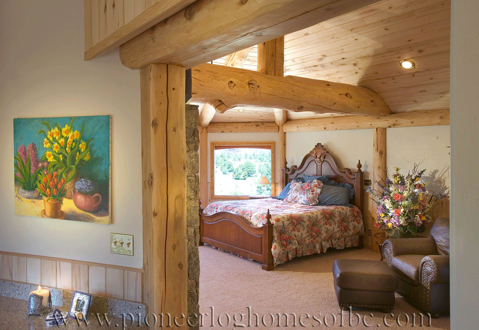 Pioneer-Log-Homes-Midwest-bedrooms-11
