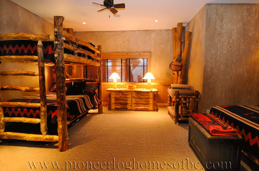 Pioneer-Log-Homes-Midwest-bedrooms-12
