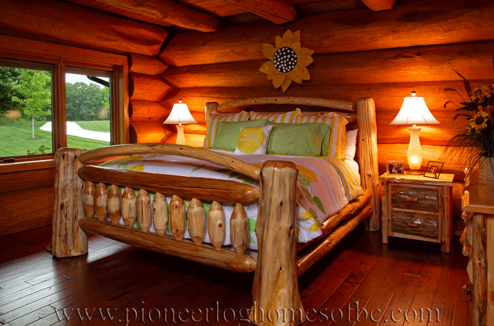 Pioneer-Log-Homes-Midwest-bedrooms-7