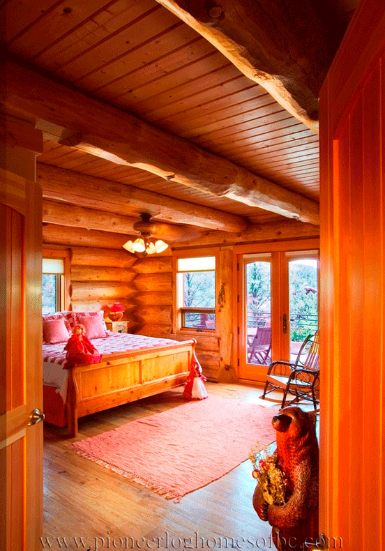 Pioneer-Log-Homes-Midwest-bedrooms-8