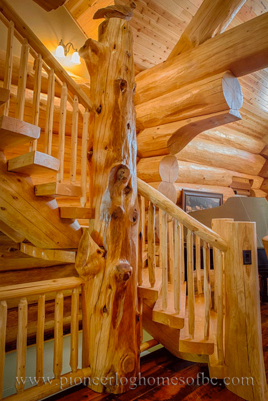 Pioneer-Log-Homes-Midwest-entrances-and-stairs-1