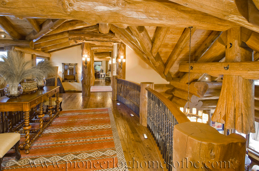 Pioneer-Log-Homes-Midwest-entrances-and-stairs-10