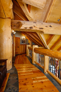 Pioneer-Log-Homes-Midwest-entrances-and-stairs-11
