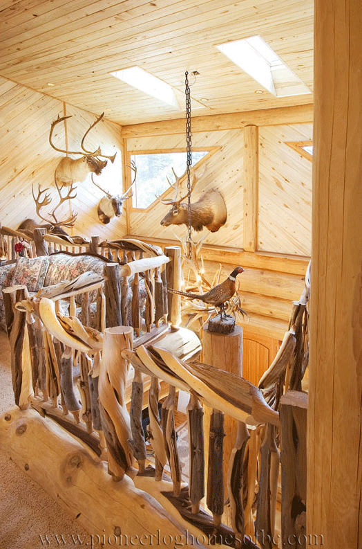 Pioneer-Log-Homes-Midwest-entrances-and-stairs-12