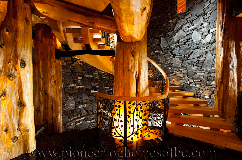 Pioneer-Log-Homes-Midwest-entrances-and-stairs-14