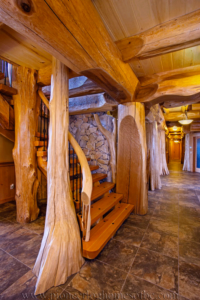 Pioneer-Log-Homes-Midwest-entrances-and-stairs-18