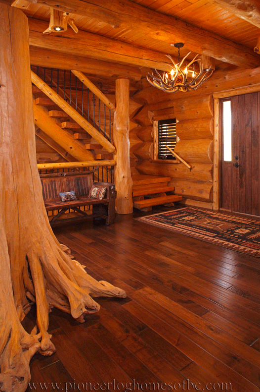 Pioneer-Log-Homes-Midwest-entrances-and-stairs-6